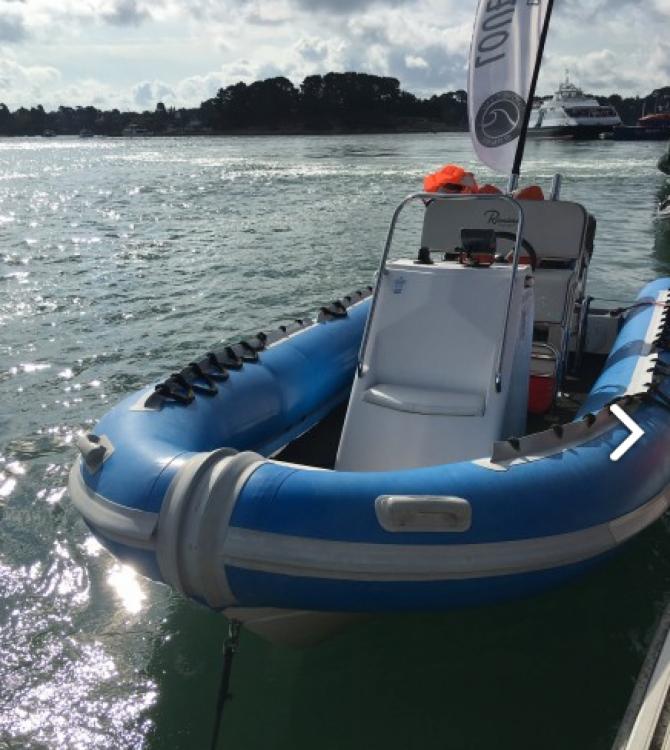 Boat rental Falcon Falcon 650 in Baden on Samboat