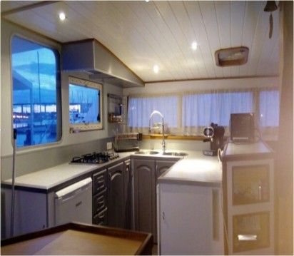Catamaran for rent Martigues at the best price