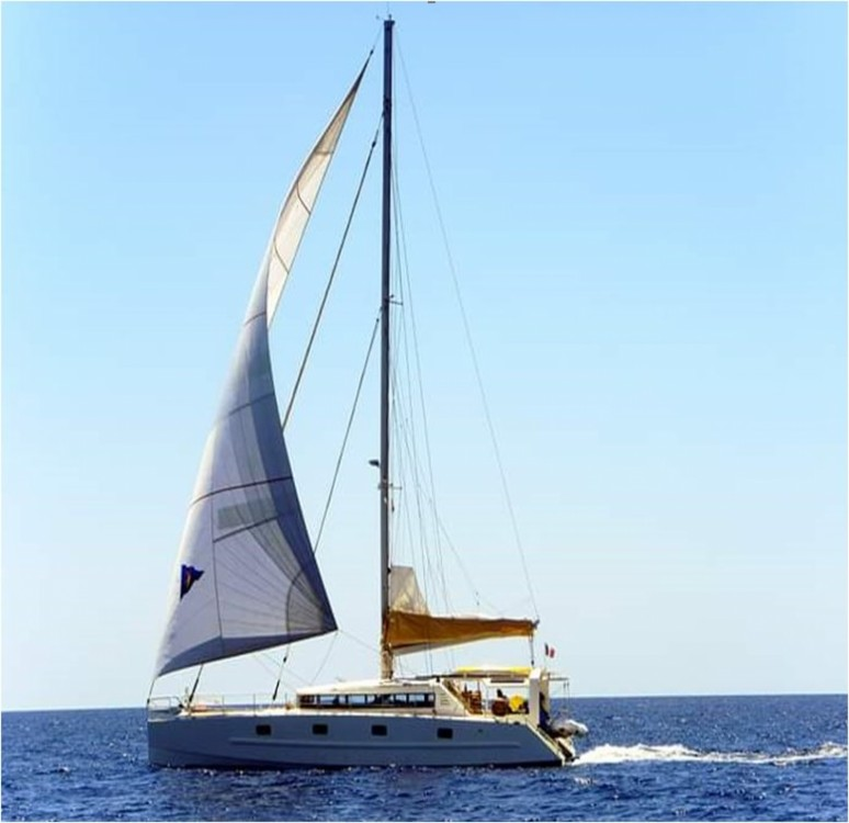 Boat rental Prototype Roland Garde 55 in Martigues on Samboat