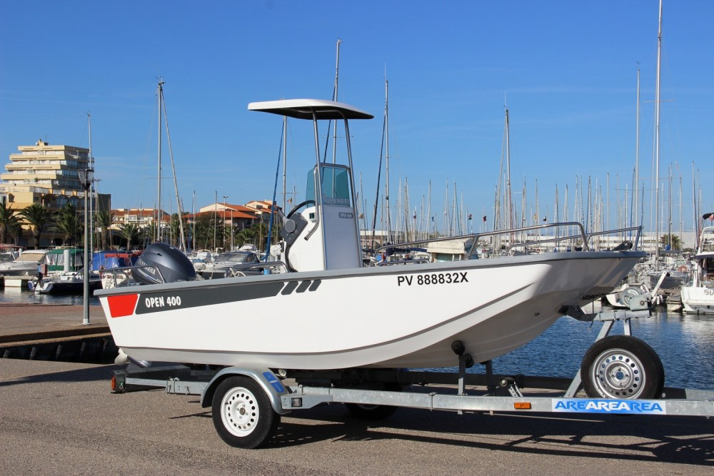 Outremer open 400 between personal and professional Marseillan
