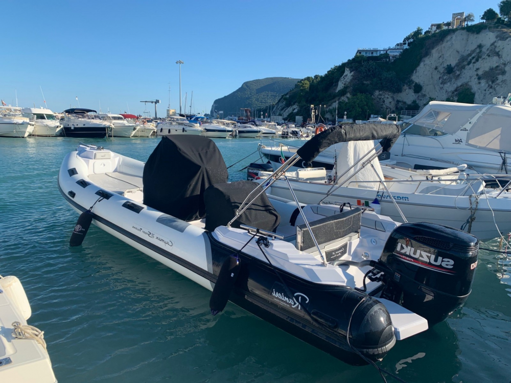 Rent a Ranieri Cayman 26 Sport Touring Ancona