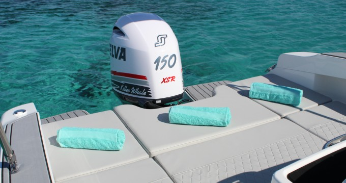 Boat rental Karnic 601SL in Ibiza Island on Samboat
