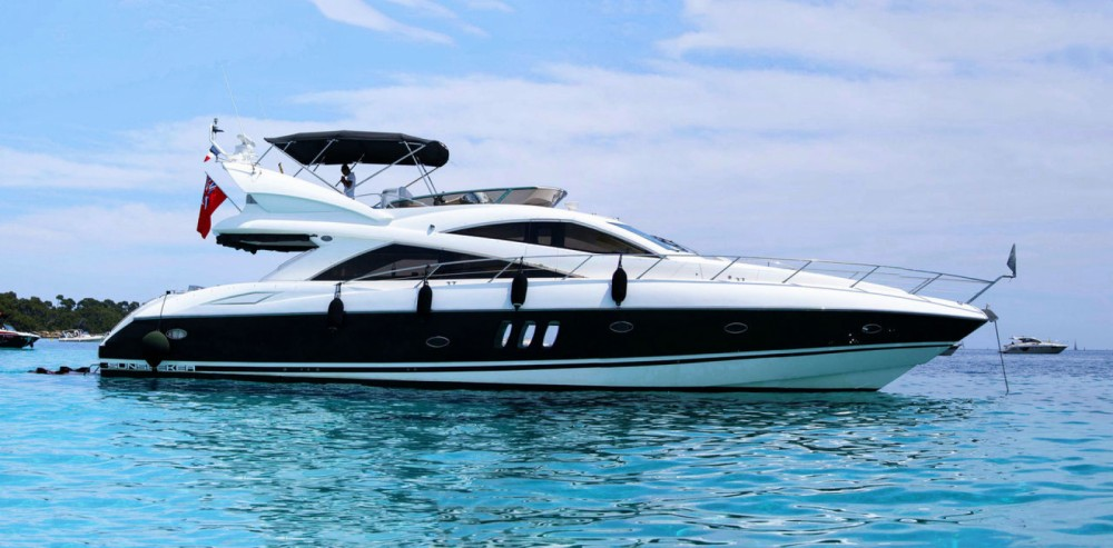 Boat rental Sunseeker Manhattan 52 in Barcelona on Samboat