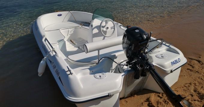 Rental Motorboat Rigiflex with a permit