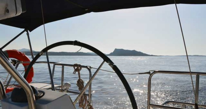 Rental yacht Palau - Catalina 320 mk II on SamBoat