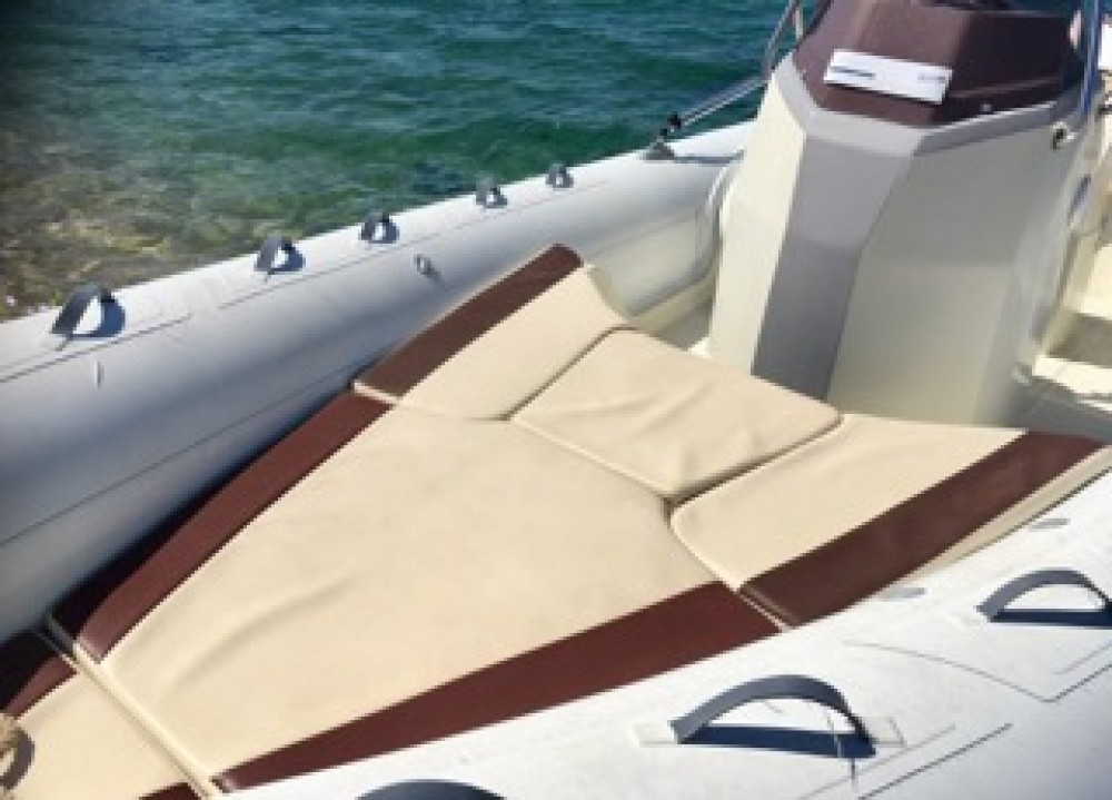 Hire RIB with or without skipper Kardis Grosseto-Prugna