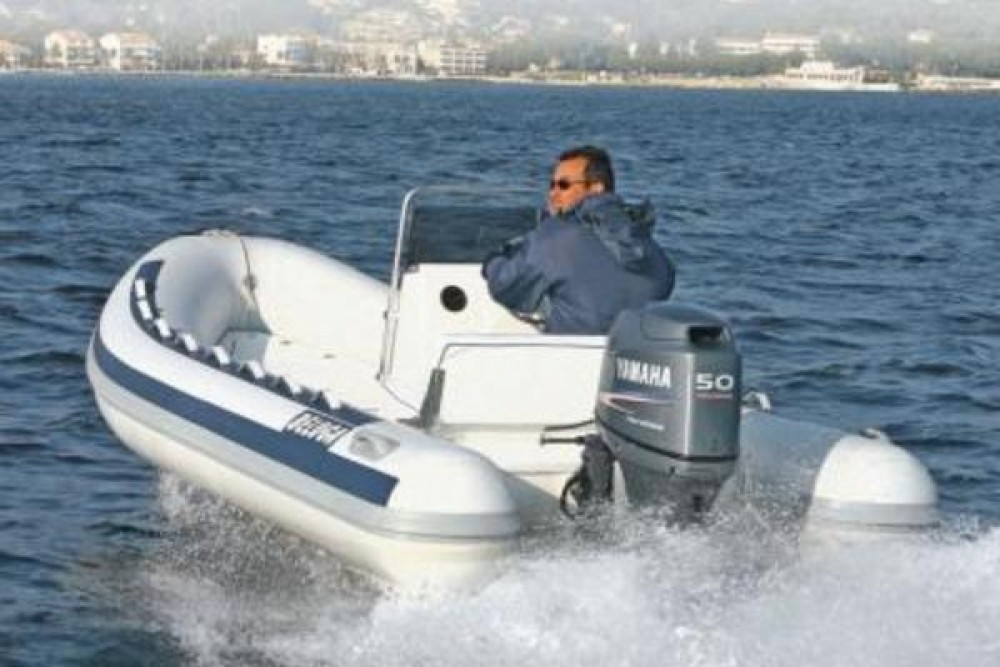 Boat rental Lomac beluga 470 in Porto Rotondo on Samboat