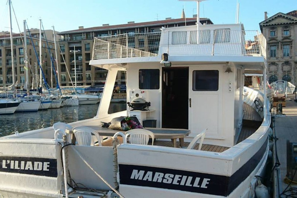 Boat rental Aversa DVA Baudouin in Marseille on Samboat