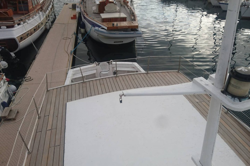 Hire Motor boat with or without skipper Aversa Marseille