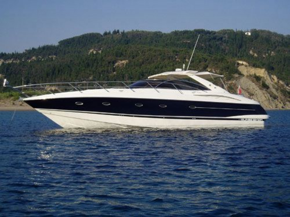 Boat rental Sunseeker Camargue 52 in Barcelona on Samboat