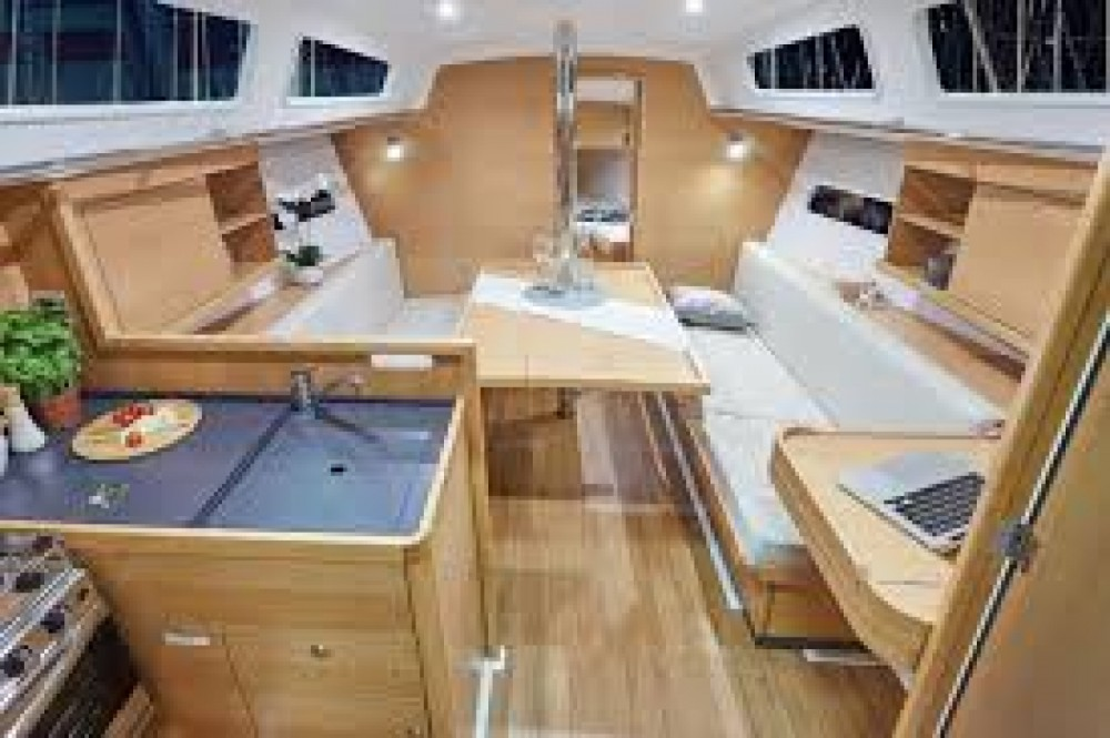 Rental yacht Riva del Garda - Jeanneau Sun Odyssey 349 on SamBoat