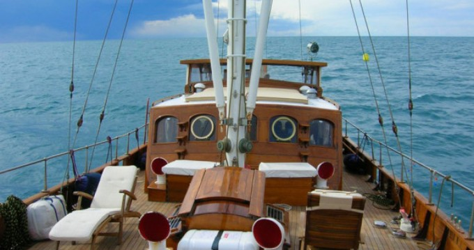 Sailboat for rent Giardini-Naxos at the best price
