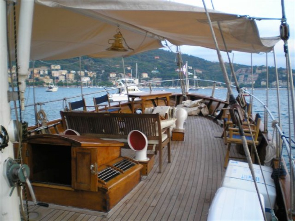 Hire Sailboat with or without skipper freeward Giardini-Naxos