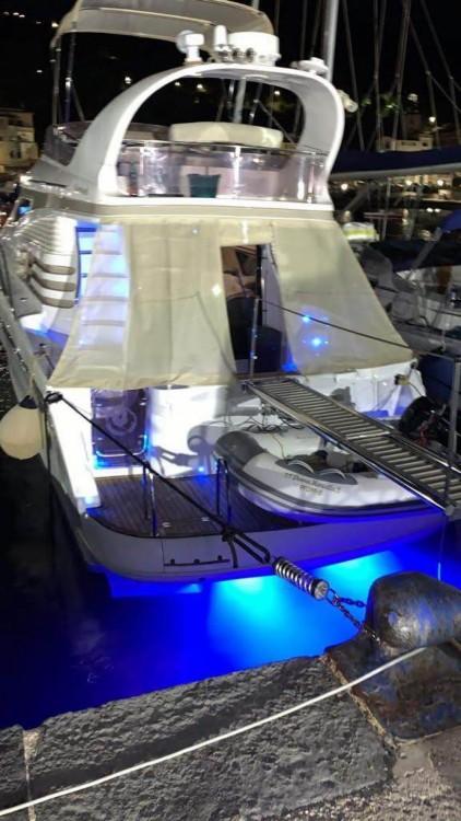 Rental yacht Marina di Pisciotta - Birchwood Challenger 440 Fly on SamBoat