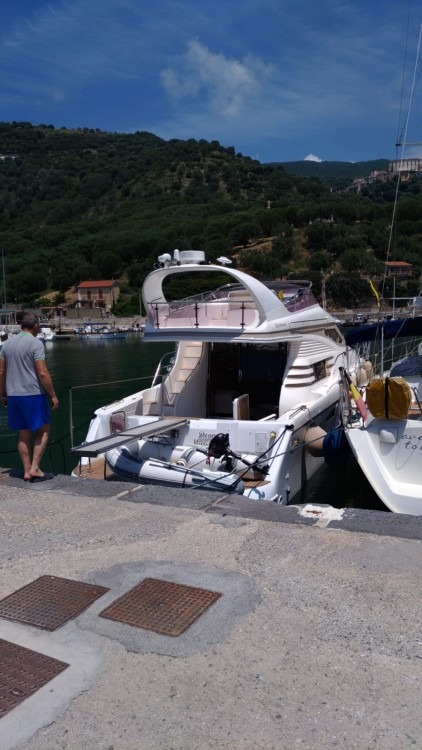 Hire Motor boat with or without skipper Birchwood Marina di Pisciotta