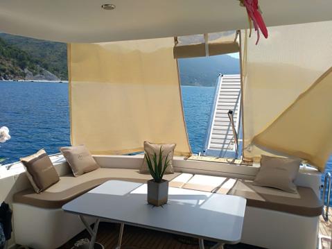 Rental yacht Pisciotta - Birchwood Challenger 440 Fly on SamBoat