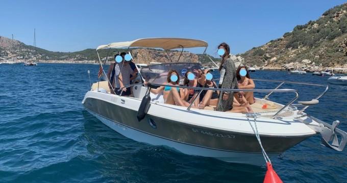 Sessa Marine Key Largo 26 between personal and professional l'Estartit