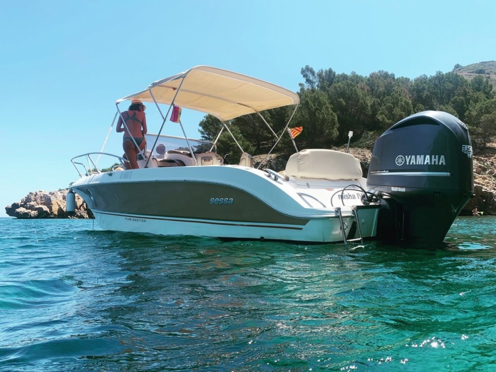 Motorboat for rent Torroella de Montgrí at the best price