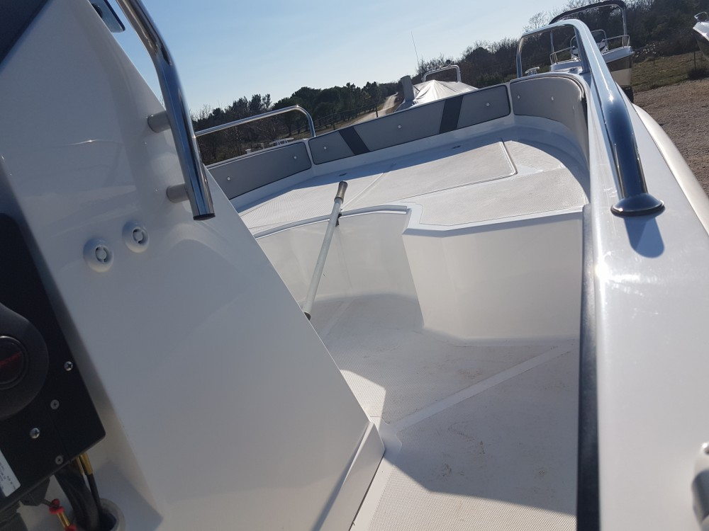 Motor boat for rent Fažana at the best price