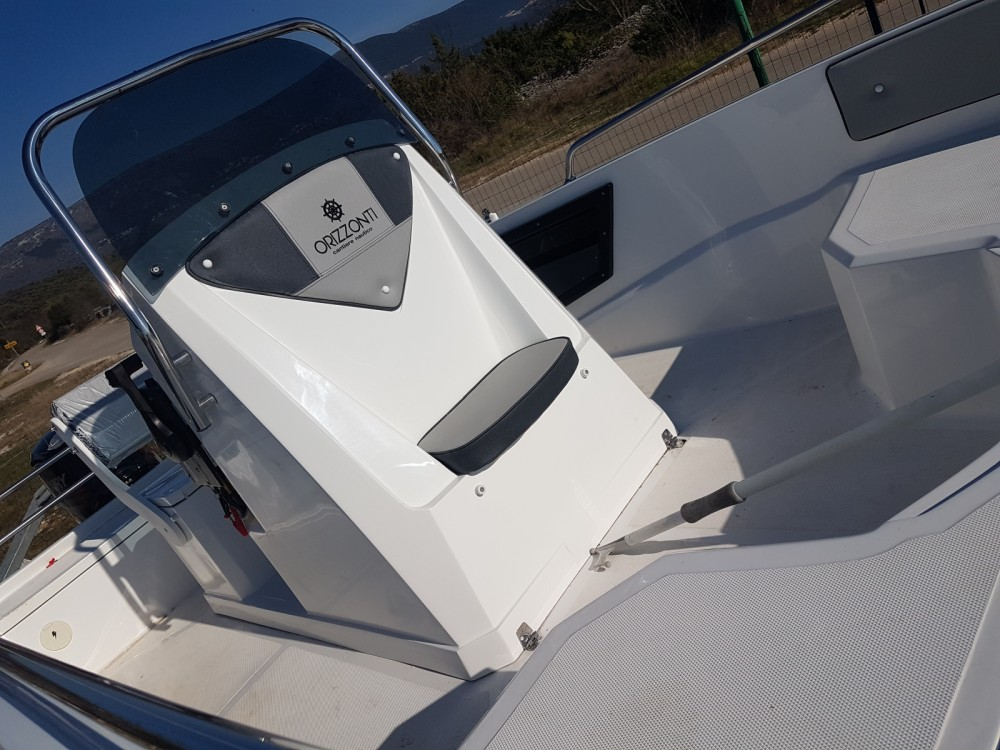 Rental Motor boat Orizzonti with a permit