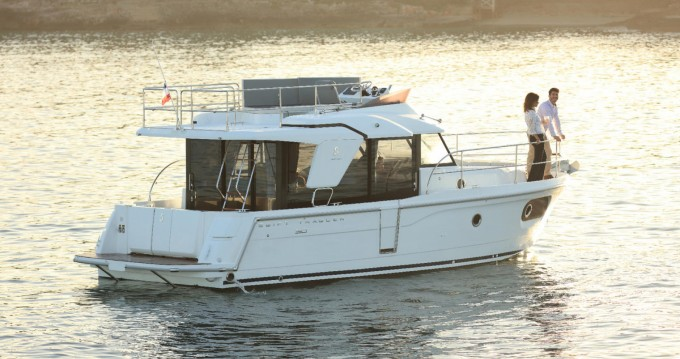 Bénéteau Swift Trawler 30 between personal and professional La Rochelle