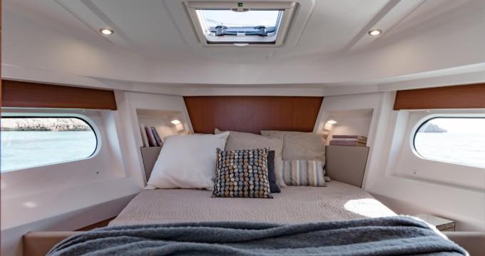 Rental yacht La Rochelle - Bénéteau Swift Trawler 30 on SamBoat