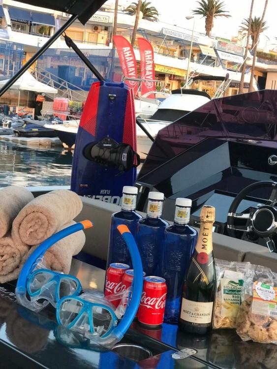 Rental Motor boat DE ANTONIO Yachts with a permit