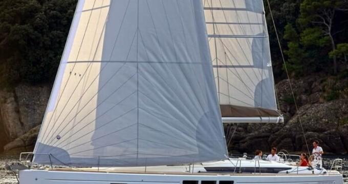 Rental Sailboat in Lávrio - Jeanneau Sun Odyssey 519