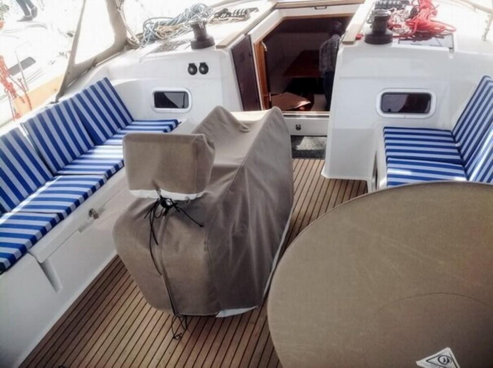 Boat rental Jeanneau Sun Odyssey 519 in Laurium on Samboat