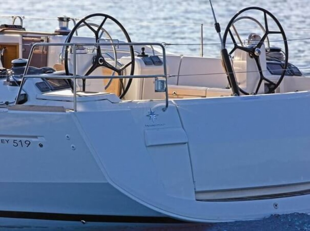 Jeanneau Sun Odyssey 519 between personal and professional Laurium