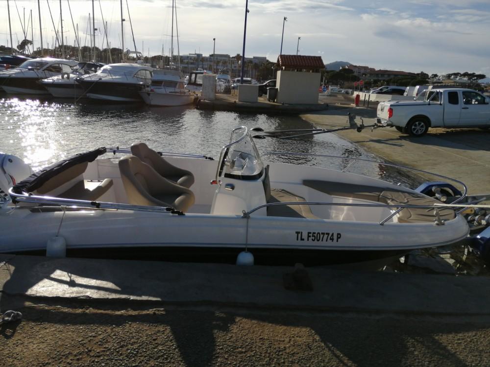 Boat rental Titanium Titanium 560 open in Hyères on Samboat