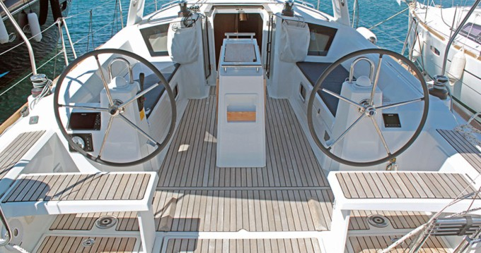 Rental Sailboat in Palma de Mallorca - Bénéteau Oceanis 381