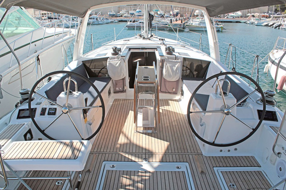Rental Sailboat in l'Estartit - Bénéteau Oceanis 41.1