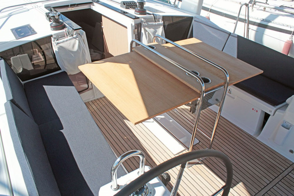 Rental yacht l'Estartit - Bénéteau Oceanis 41.1 on SamBoat