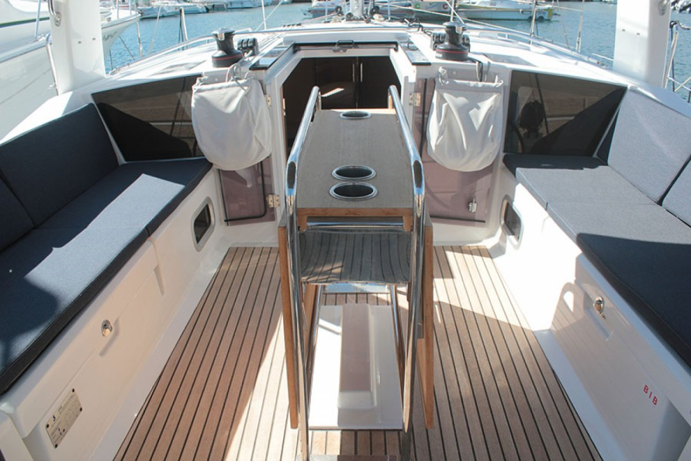 Boat rental Palma cheap oceanis 411