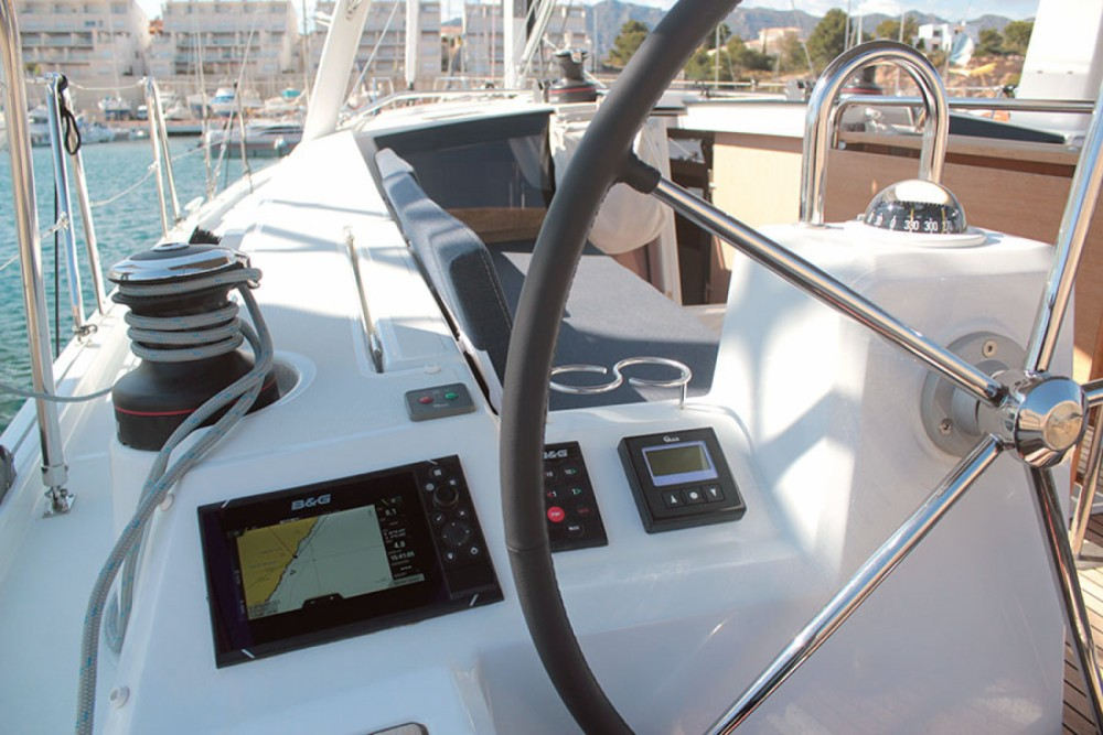 Rental Sailboat in Palma - Bénéteau oceanis 411