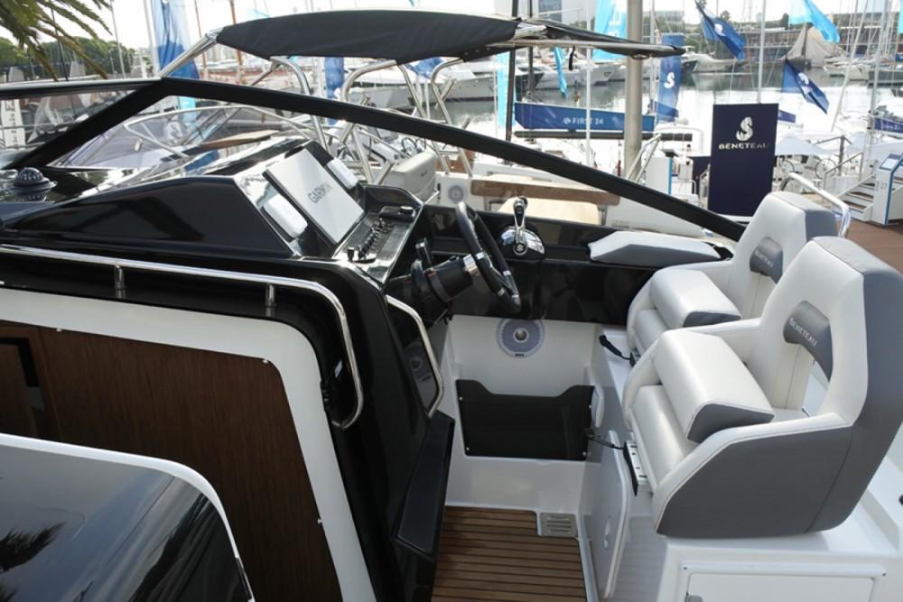 Boat rental Cambrils cheap Flyer 10