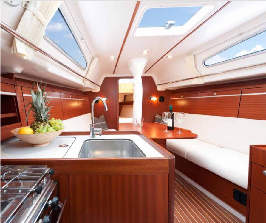 Sailboat for rent Saint-Cast-le-Guildo at the best price