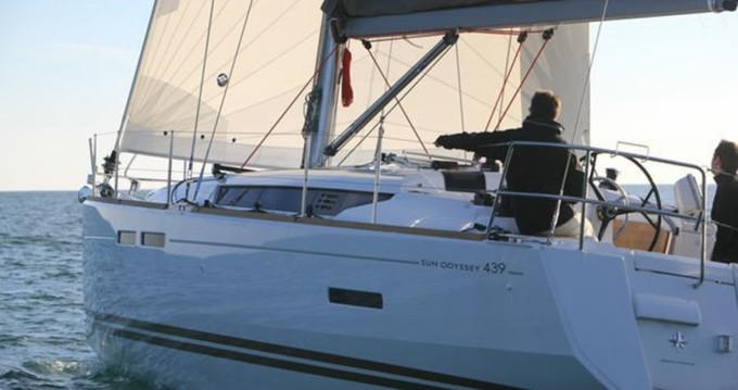 Boat rental Ciutadella de Menorca cheap Sun Odyssey 439
