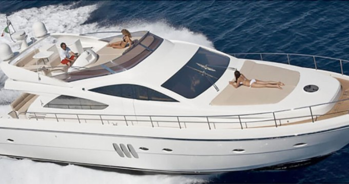Yacht for rent Chiavari at the best price