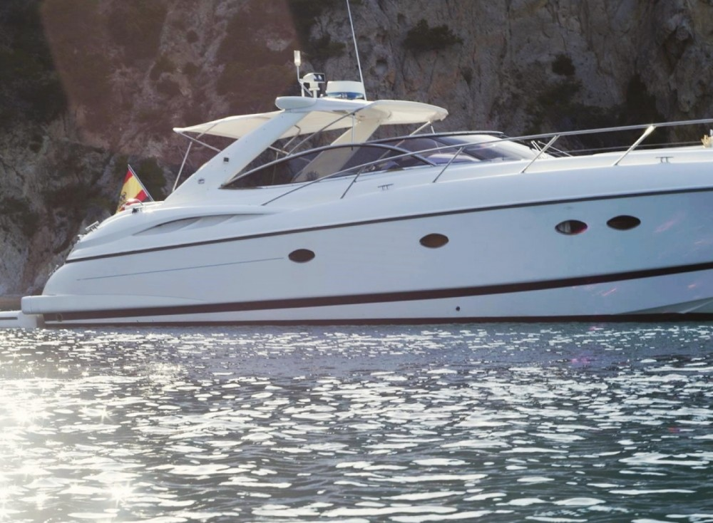 Hire Yacht with or without skipper Sunseeker Maó