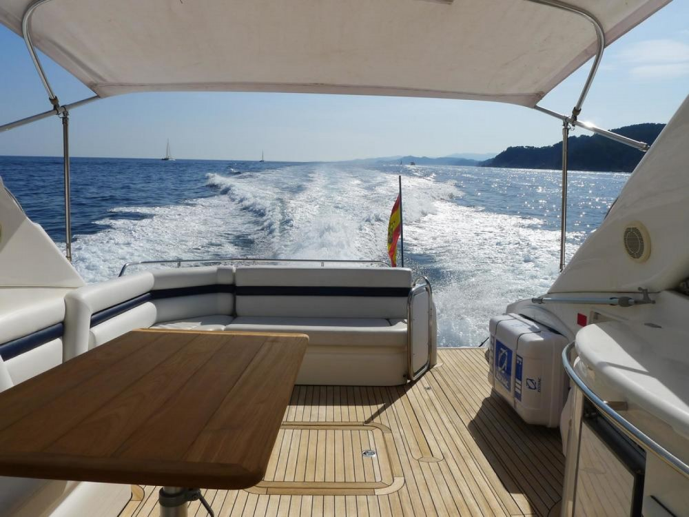 Rental yacht Maó - Sunseeker Predator 56 on SamBoat