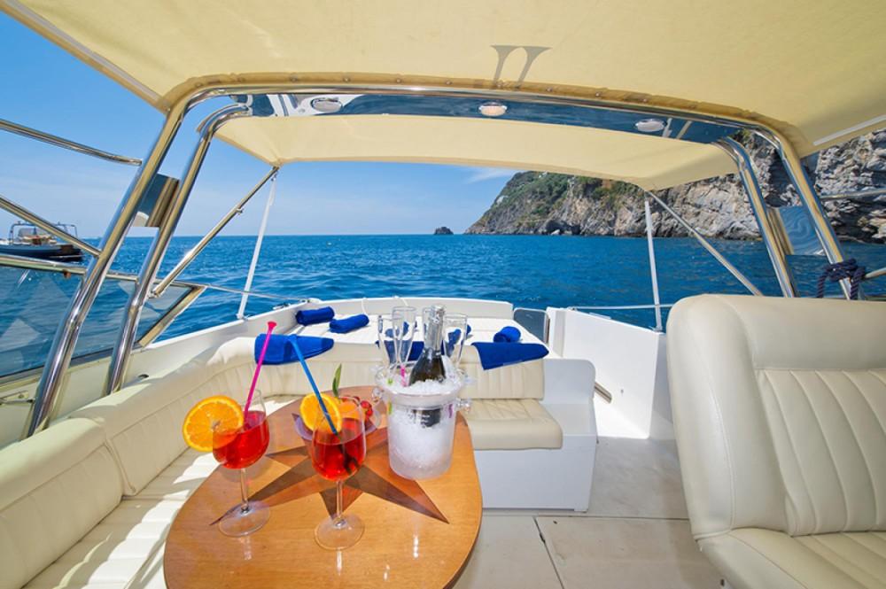 Boat rental Itama Itama 38 in Positano on Samboat