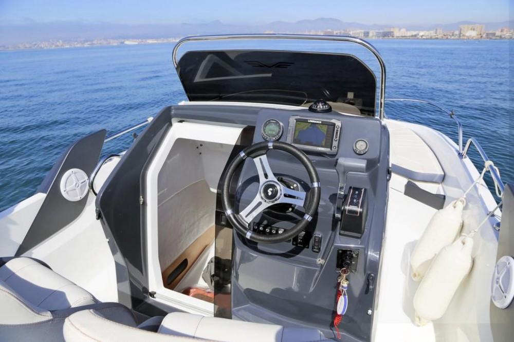 Hire Motor boat with or without skipper Bénéteau Saint-Gilles-Croix-de-Vie