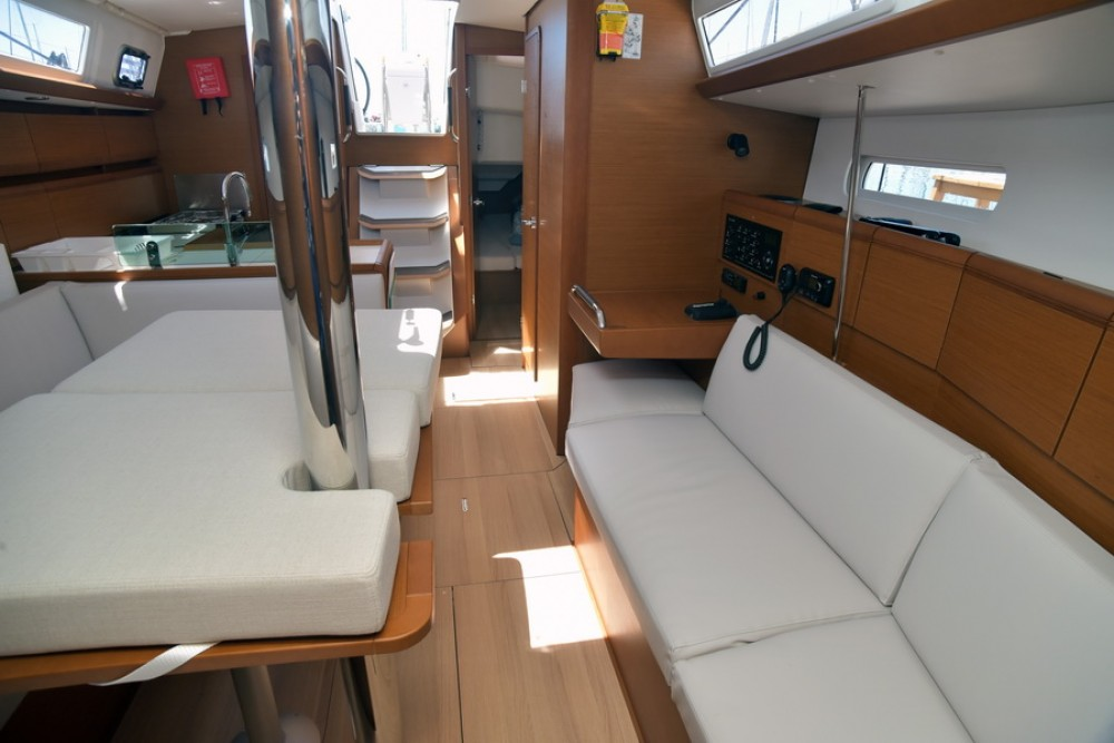 Rental yacht Skiathos - Jeanneau Sun Odyssey 389 on SamBoat