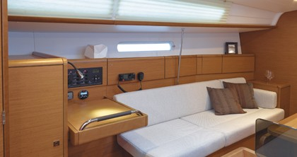 Hire Sailboat with or without skipper Jeanneau Fort Lauderdale