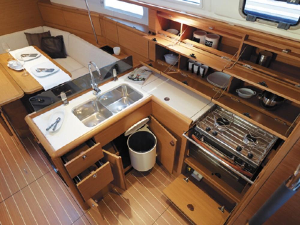 Rental yacht Fort Lauderdale - Jeanneau Sun Odyssey 379 on SamBoat