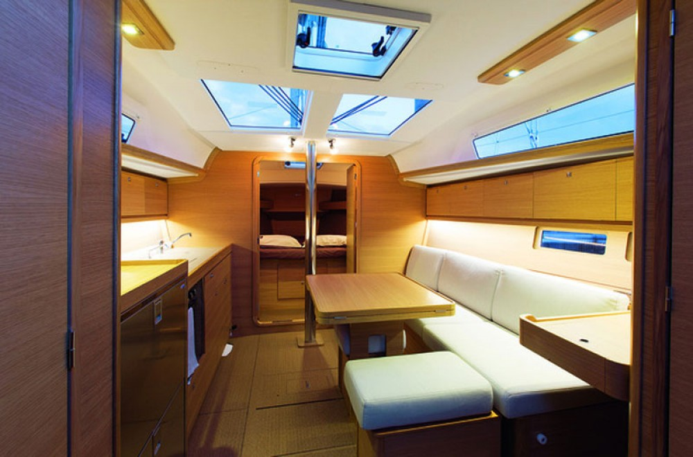 Rental yacht  - Dufour Dufour 382 Grand Large on SamBoat