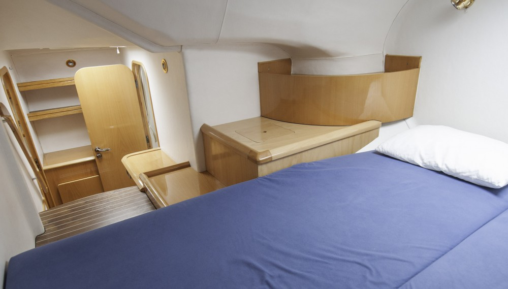 Rental yacht Corfu - Alliaura Privilege 37 on SamBoat