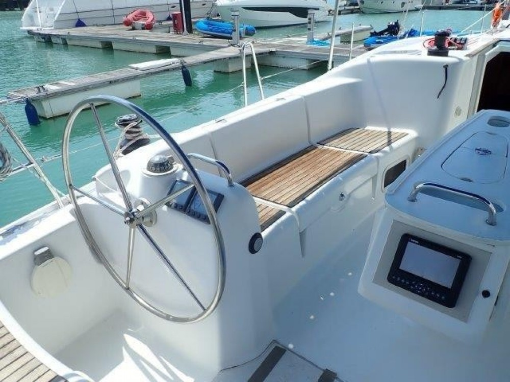 Hire Sailboat with or without skipper Bénéteau Phuket